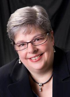 Elizabeth Domholdt