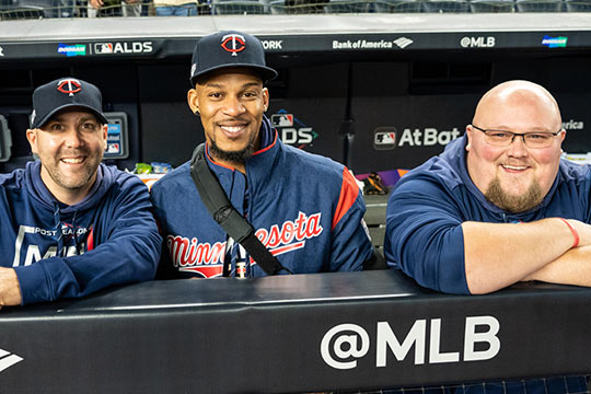 Jeff Lahti (left) with outfielder Byron Buxton and clubhouse assistant Frank Hanzlik