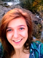 Tori Headshot