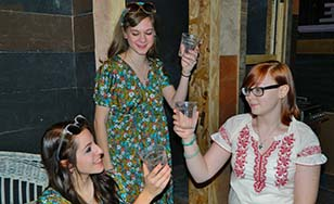L-R: Amy (played by Karli Niemann), Hattie (played by Rachel Stipetich), and Elizabeth (played by Cheyenne Lemm).