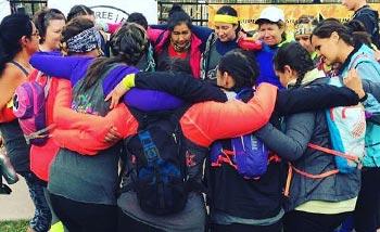 Kwe Pack huddled together at a race
